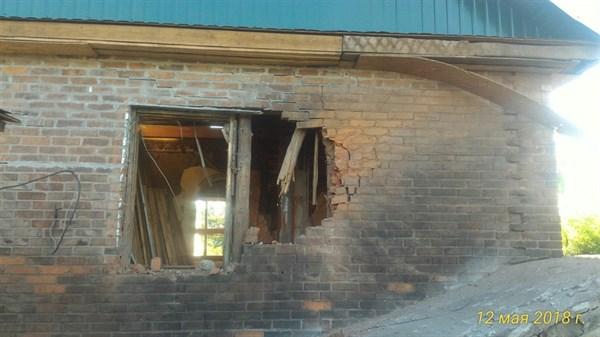 В Горловке в результате обстрела ночью поврежден жилой дом на Глубокой