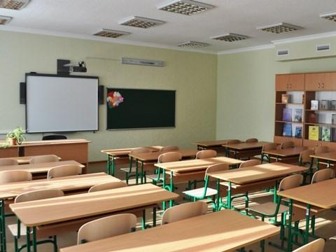 Горловчане рассказали, как готовятся к школе и что покупают к новому учебному году