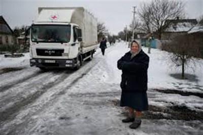 В Горловке людям с ограниченными возможностями раздали помощь  в виде гигиенических средств