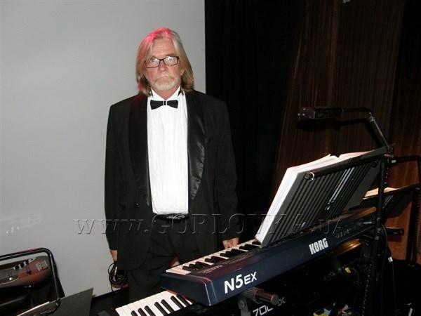 В Горловке проводили в последний путь джазового музыканта Сергея Иванова