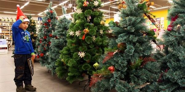 Купить искусственную елку в Украине предлагает магазин «sosna.kiev.ua»