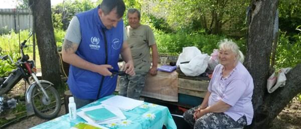Горловчане-пенсионеры живут отрезанными от мира в селе Бахмутского района: воды нет, транспорт не ходит