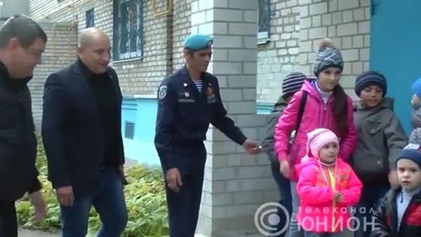 """В Горловке дали квартиру боевику """"ДНР"""", который вместе с семьей и 8 детьми переехал из Славянска"""