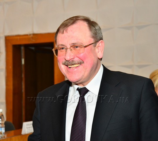 За Алипова – двумя руками: Горловские депутаты единогласно поддержали назначение экс-замминистра ЖКХ на должность 1-го зама мэра