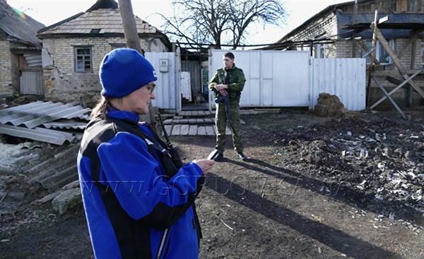 """48 часов с бойцами """"ДНР"""" - репортаж французской журналистки"""