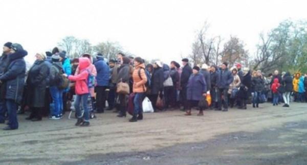 Как пересечь блокпост, если нет паспорта: советы юристов для переселенцев