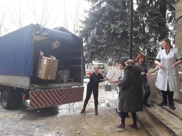 В Горловку привезли гуманитарную помощь от международного комитета Красного креста