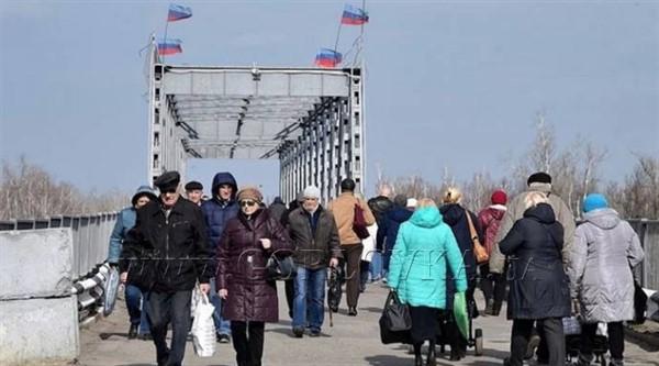 Группировка «ЛНР» закрыла пункт пропуска «Станица Луганская». Через нее ездили в Украину