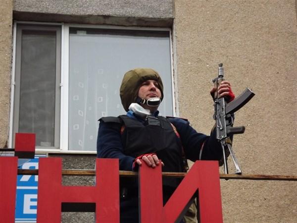1-й зам начальника Горловского ГУ Герман Приступа во время штурма здания милиции стрелял только в воздух