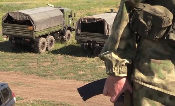 Боевики из Горловки показали учения и заверили, что не отступят, так как за ними страна, поднимающаяся на ноги