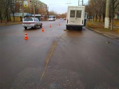 В Горловке у маршрутки оторвалось колесо во время передвижения