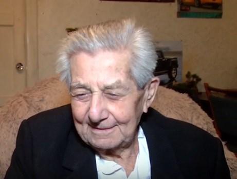 95-летний житель Горловки  мечтает дожить до дня победы