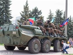 «У некоторых была форменная истерика»: в Горловке 9 мая пригнали БТР на площадь с людьми и начали стрелять