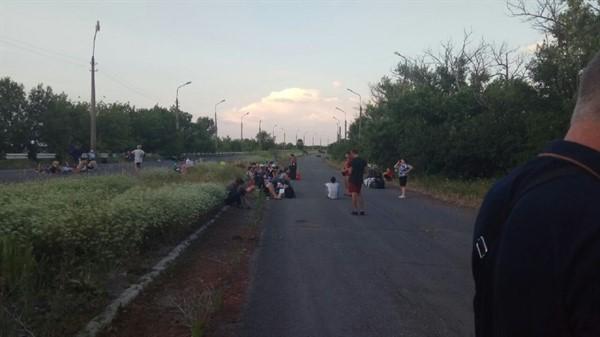 """Людей из серой зоны """"ДНР"""" пропустила и отправила в больницу - соцсети"""