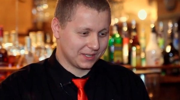 Проект «Дело мастера боится»: «Если бармен надевает два разных носка, то у него больше чаевых» (ВИДЕО)
