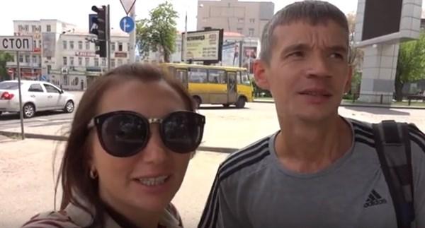 """Автобус воняет, люди суровые, """"ДонМак"""" самый худший фастфуд: это впечатления россиян от Донецка"""