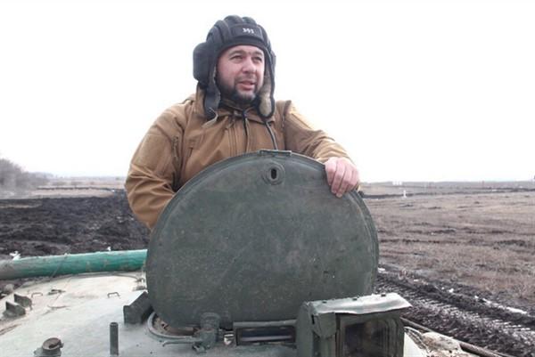 """Главарь """"ДНР"""" Денис Пушилин приехал в Горловку посмотреть на занятия танкистов и мотострелков"""