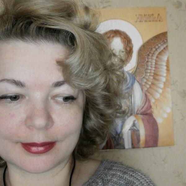 Картины жительницы Горловки продаются по несколько тысяч долларов, средства она жертвует воинам АТО
