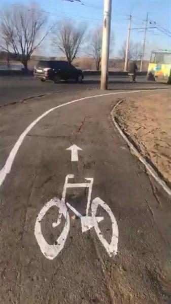 """Первая велодорожка в Северодонецке: """"позорище"""" - комментируют жители"""