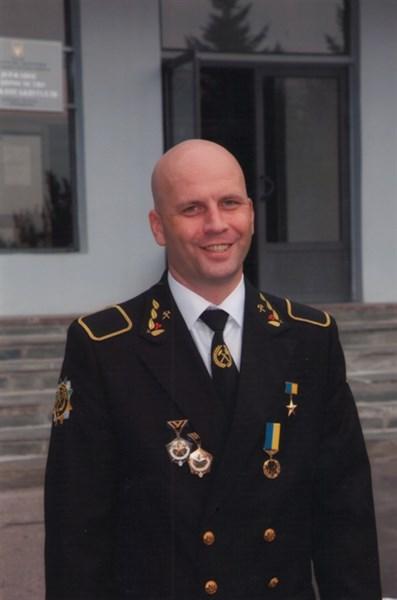 Герой Украины Сергей СЛЮСАРЬ: «У нас не станок, а  - человеческий фактор. Один может два квадрата всю смену рубать, другой это сделает за 10 минут»
