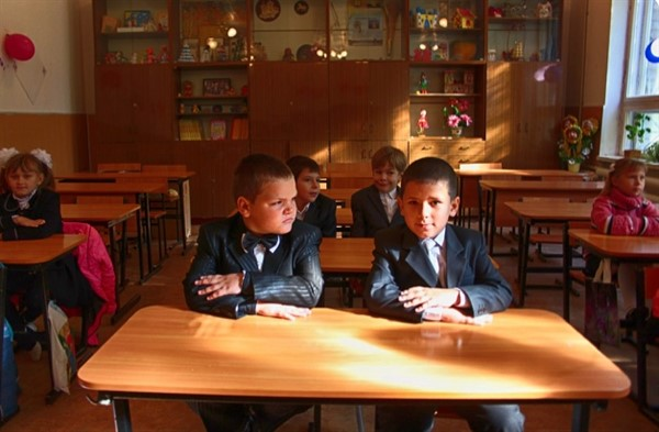 В школах Горловки ряд изменений. Дети будут учиться с 8 утра, вернутся полноценные уроки