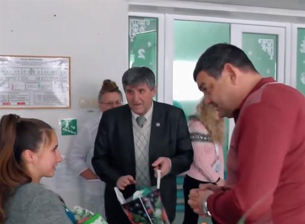 В Горловке за этот год родилось 808 детей. В мирном, 2013-м, их было 2325