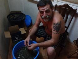 Крымская жизнь Игоря Безлера (Беса): отрастил бороду, занялся виноделием и пишет о Нагорном Карабахе