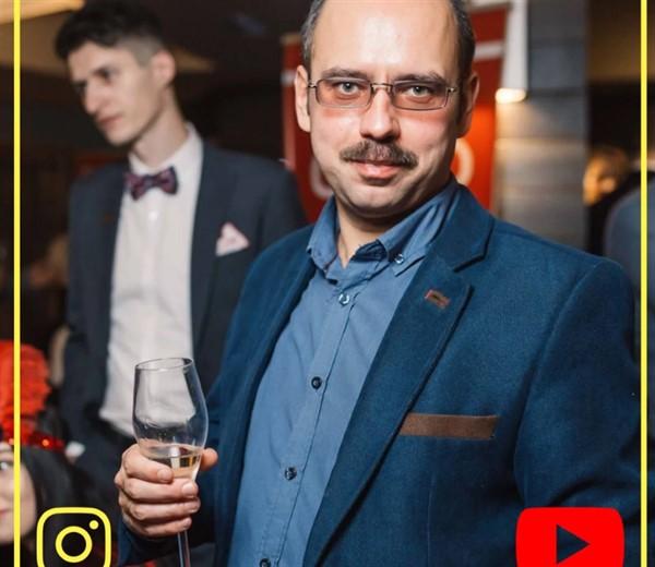 Горловчанам предлагают проголосовать за земляка Константина Лугового. Он вошел в ТОП-20 блогеров Донбасса