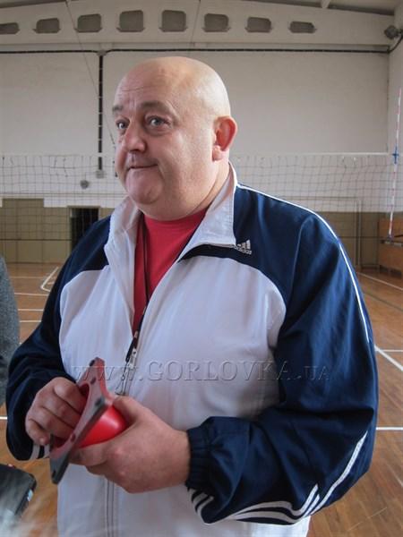 Горлівський тренер з баскетболу Олександр Сєров став переселенцем і зараз виховує зірок спорту на Полтавщині