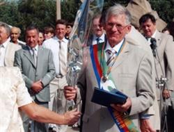 В Горловке установили памятную доску выдающемуся  врачу-травматологу Петру Микенькину. Вспомним о нем