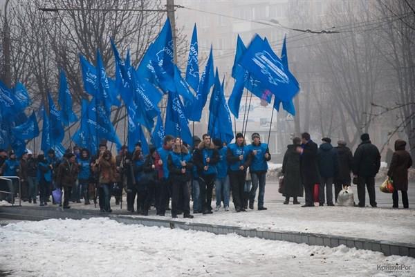 Назло приметам и предостережениям: в пятницу, 13-го, горловчане на спецпоезде из 18 вагонов отправятся в Киев митинговать в поддержку президента