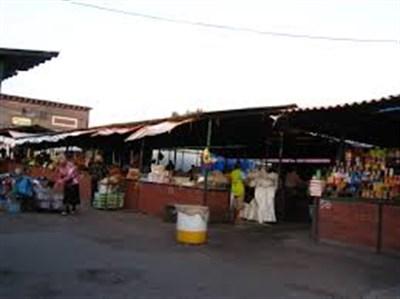 Жительница оккупированной Горловки показала цены на сезонные овощи и мясную продукцию