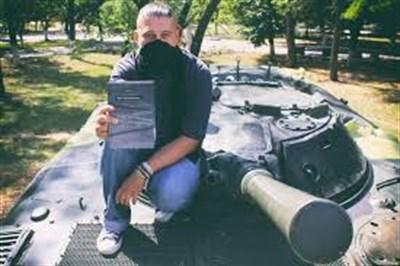 Блогер из Горловки презентовал свою книгу «Быть горловчанином» в Донецке