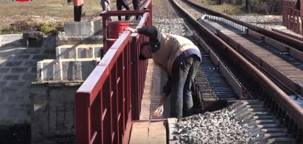 На ж/д перегоне Пантелеймоновка — Горловка восстановлен мост