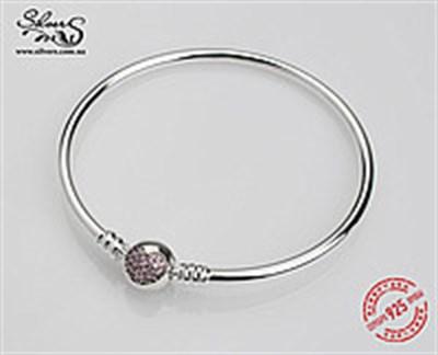 Украшение-браслет, которое тронет женское сердце