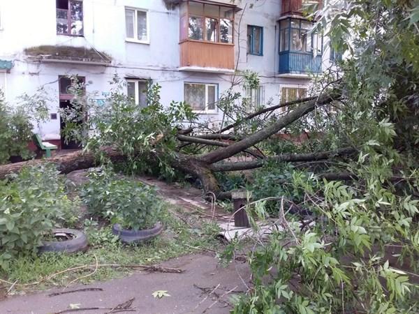 В Горловке продолжается борьба с последствиями непогоды