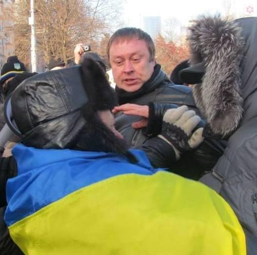 Правая рука Арена Саркисяна стал директором спортивной школы в Горловке. В 2014 он разгонял украинские митинги