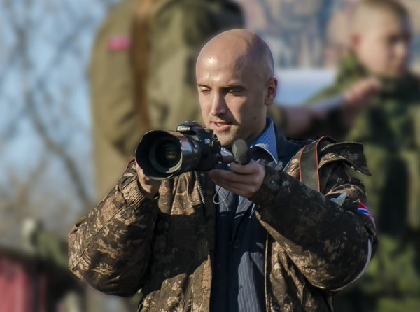В Горловке побывал журналист-пропагандист Грэм Филлипс. Он готовит сюжет о Донбассе