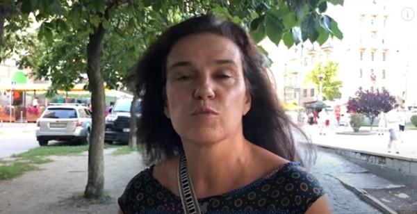 """Жительница Испании рассказала о 17 днях в плену боевиков """"ДНР"""" за снятие российского флага"""