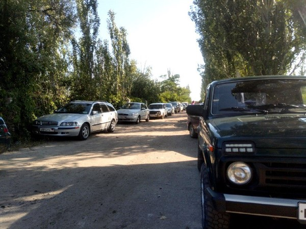 Для жителей «ДНР» ввели списки для отдыха в Седово. К морю выстроилась огромная очередь (ВИДЕО)