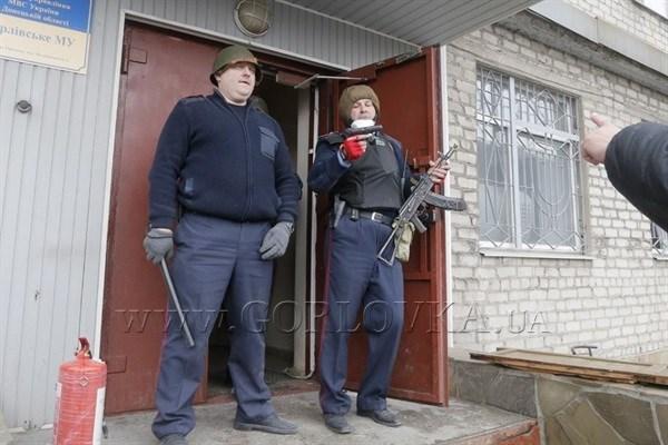 Замначальника горловской милиции Герман Приступа: «Мы готовы освободить захваченные здания. Был бы приказ»