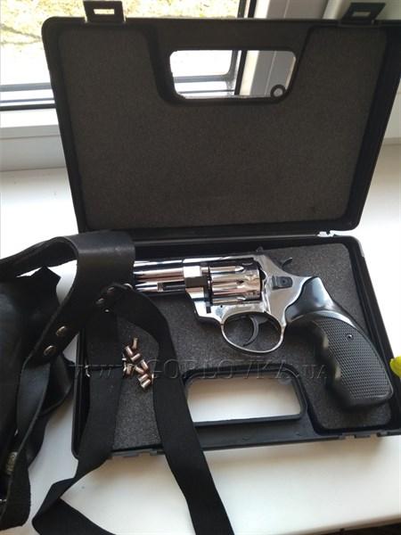 Житель Горловки через соцсети продает оружие