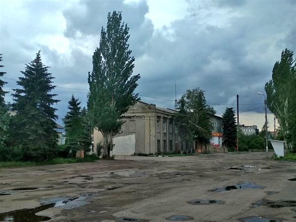 События в Горловке: появилось освещение в поселке Гольмовском и местные жители видели военную технику на улицах