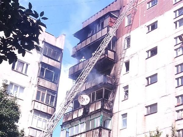 Обстоятельства пожара жилого дома в Горловке: в квартире, откуда разгорелся огонь, никто не проживал