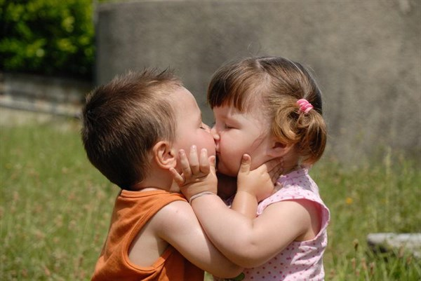 Слово-народу: помнят ли горловчане свой первый поцелуй? (ТОП-10 откровенных признаний)
