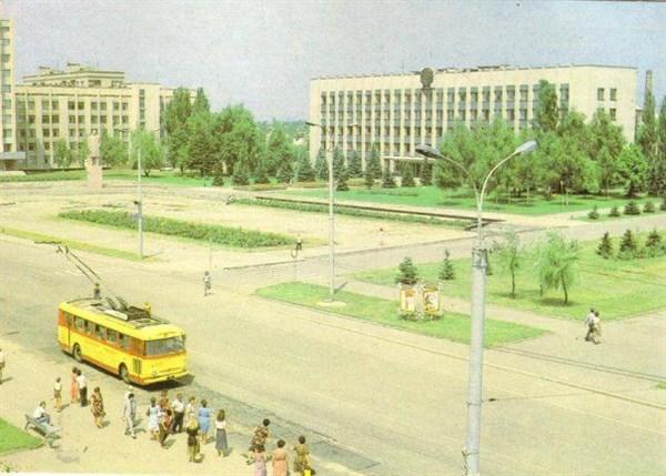 Музей истории Горловки организовал прогулку по историческим и памятным местам города