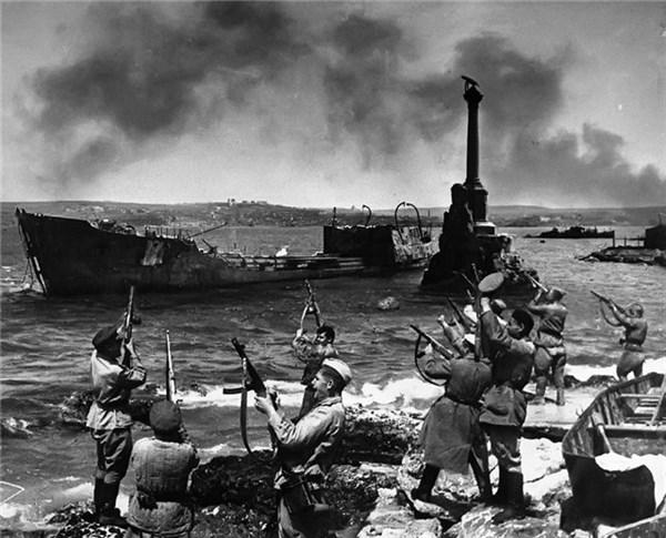 """Воспоминания летчика и разведчика о боевых подвигах: о """"железной битве"""", взаимовыручке и японском фронте"""