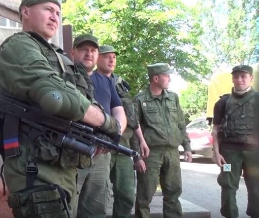 """Ремонтируют украинские танки, воюют против правого сектора и никогда не сдадутся - бандформирование """"Горловка"""""""