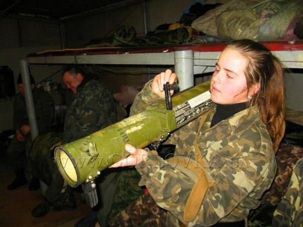 Как боевики учат горловских подростков выживать на фронте в зимних условиях (ФОТОРЕПОРТАЖ)