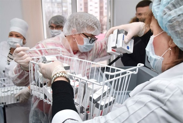 """Covid-19 в """"ДНР"""": за весь период 40 тысяч заболевший и новая опасность - в красной зоне возрастные пациенты"""